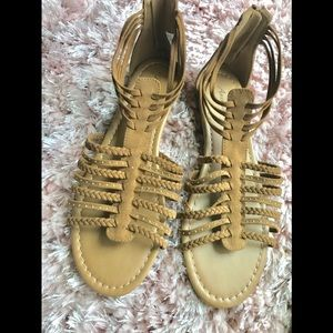 🌻Tan Gladiator Sandals🌻 SIZE 9 1/2